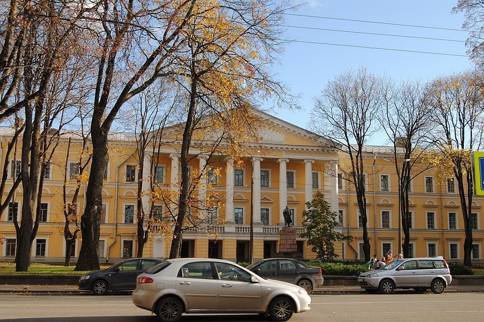 МЧС призывает граждан Пскова перейти назимнюю резину