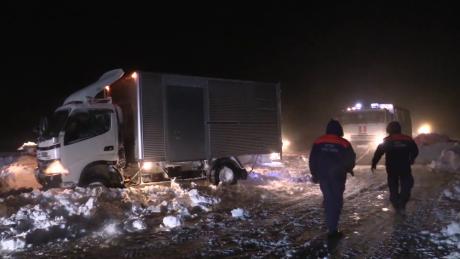 НаСахалине около 100 машин застряли натрассе из-за сильной метели