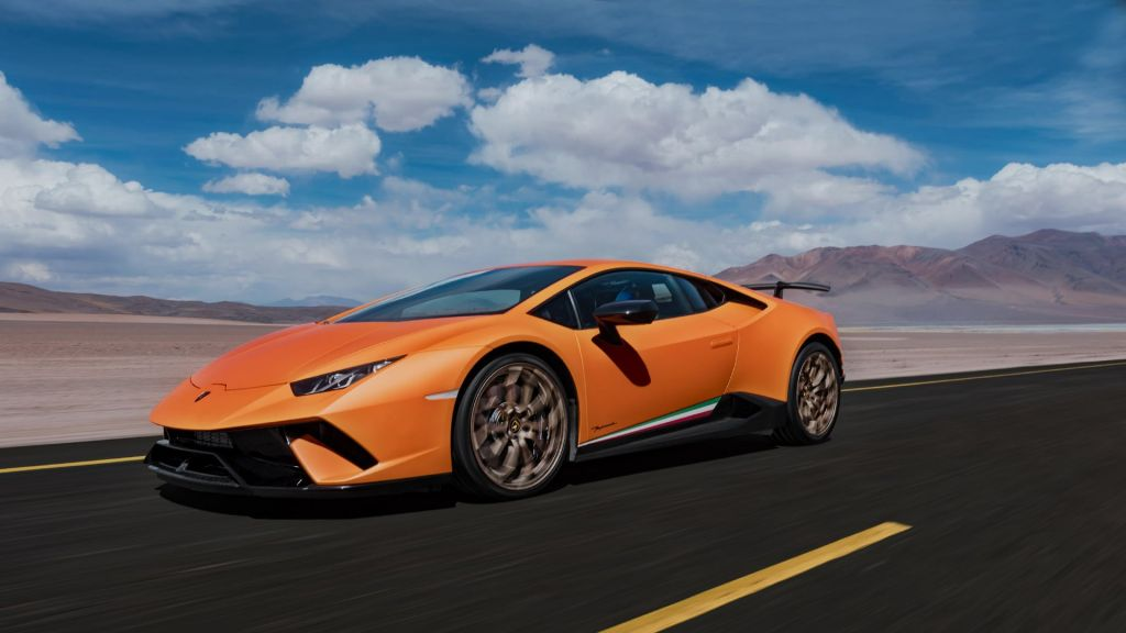 Эволюцию авто Lamborghini с1963 года показали навидео