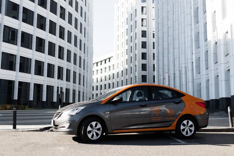 Компания «Делимобиль» увеличила собственный парк автомобилей в северной столице ровно вдвое