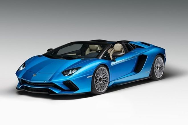 Racy Roadster: Lamborghini Chops the Top off the 730-HP Aventador S