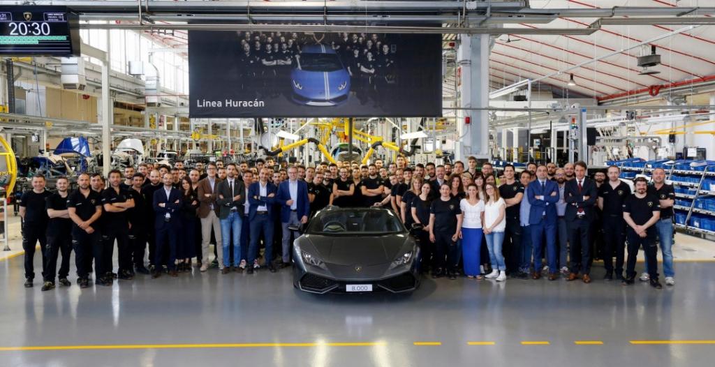 Lamborghini выпустила 8 000 суперкаров Huracan