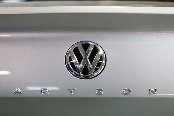 На дорогах Украины замечен флагманский Volkswagen Arteon class=