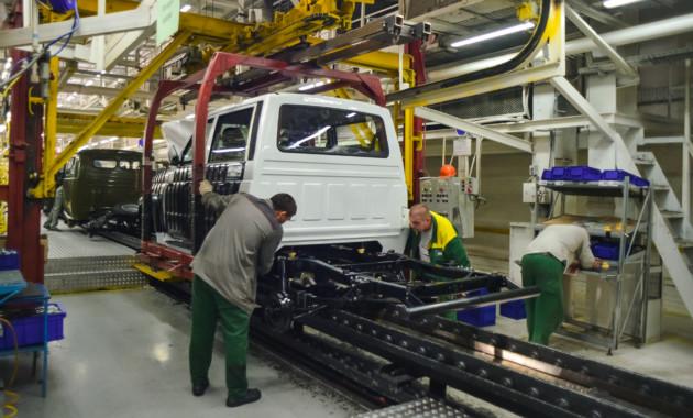 Производство наУАЗе всередине зимы приостановят из-за модернизации