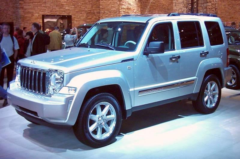 Прохожим был сфотографирован прототип джипа , повсей вероятности— это Jeep Cherokee 2018