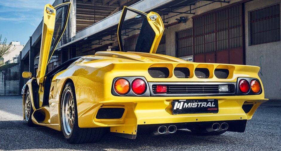 Представлен необычайный образец Lamborghini Diablo GT1 Stradale