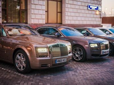 В РФ впечатляюще растут продажи люксовых авто