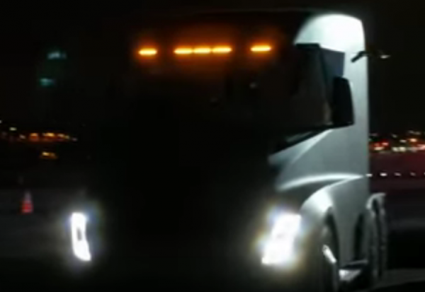 Видео разгона электрогрузовика Tesla Semi появилось вweb-сети
