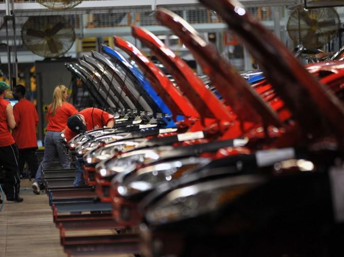 В РФ может резко сократиться производство авто