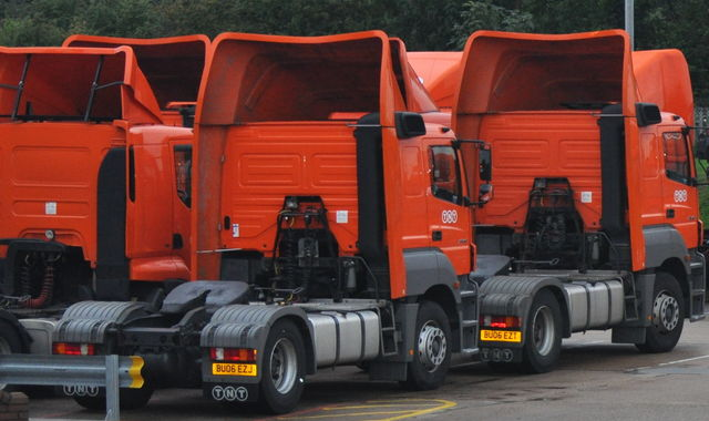 'Self-driving' lorries to be tested on British roads