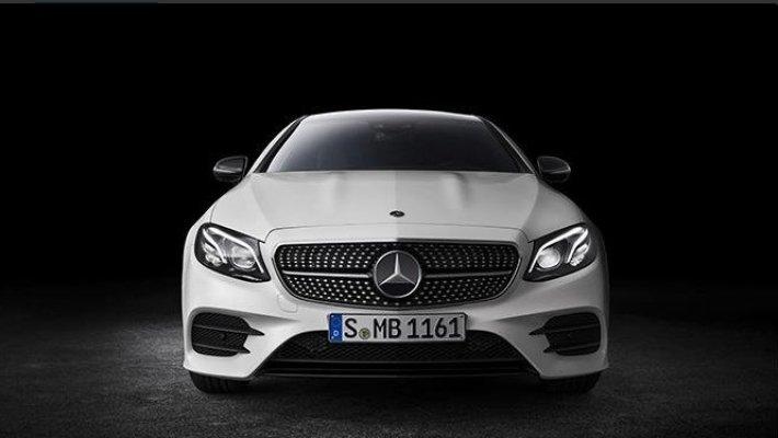 Benz выводит нарынок новый седан E300 2017