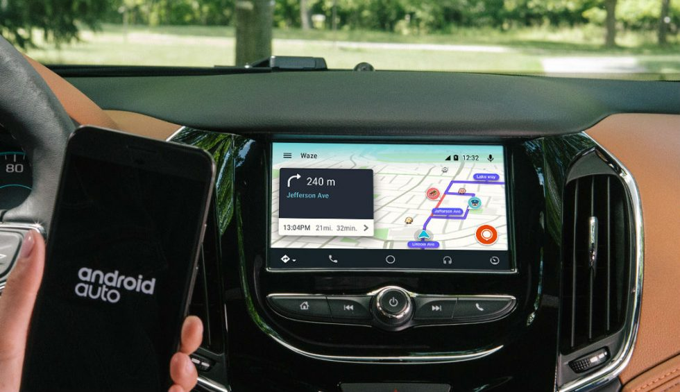 Waze app now works via built-in touchscreens