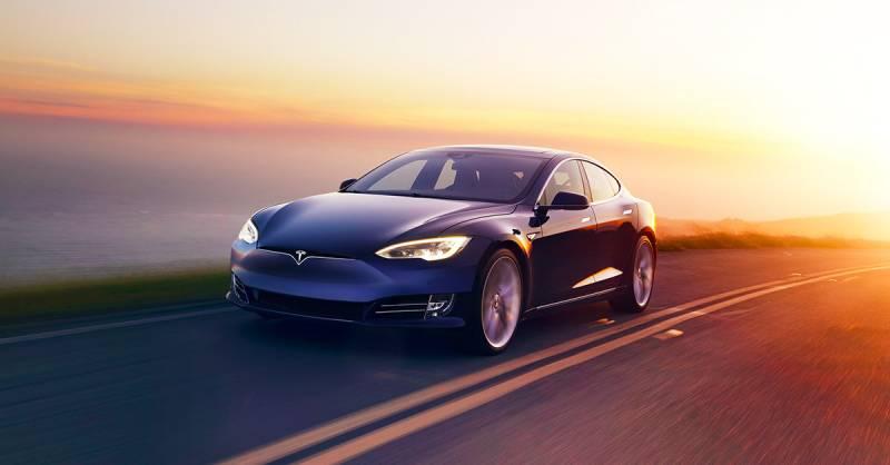 Клиенты Tesla получат всвои дома зарядные станции