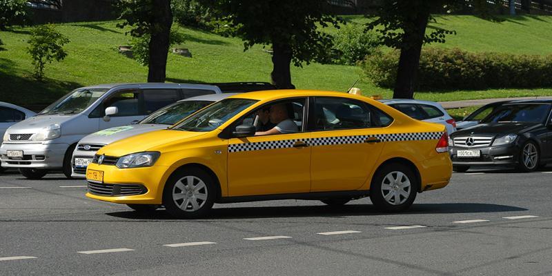 МВД предлагает использовать тахографы для контроля работы таксистов