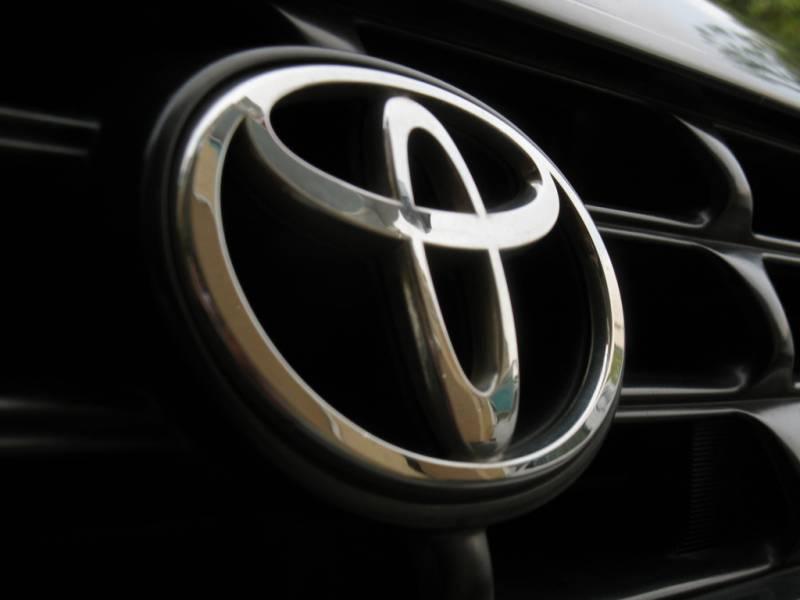 Седан Тойота Avalon обновленного поколения заметили натестах вМичигане