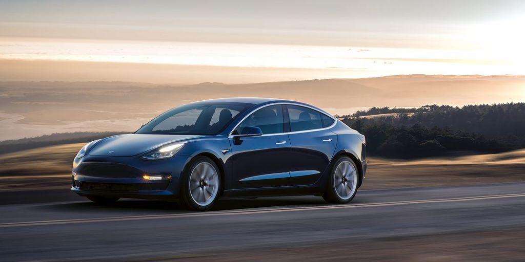 Tesla Model 3 будет реализовываться в Российской Федерации