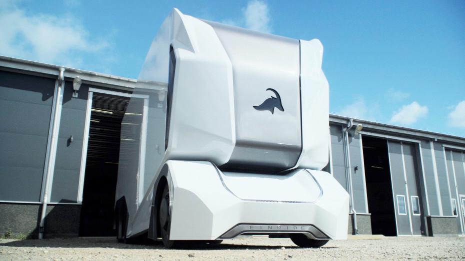 Шведская компания показала робогрузовик без кабины