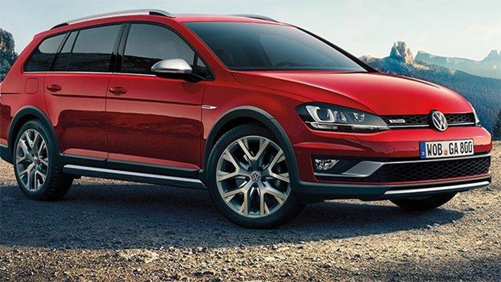 Дилеры Volkswagen распродают остатки Golf в России