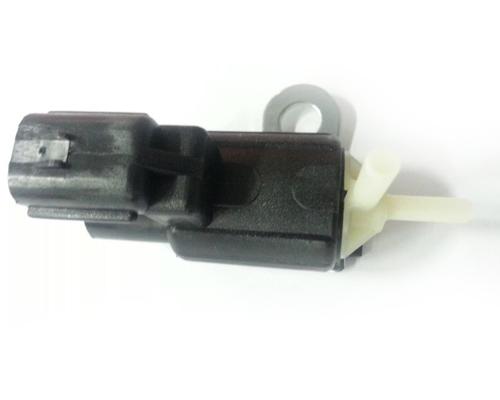 Клапан вакуумный включения переднего моста