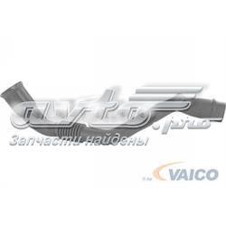 патрубок вентиляции картера (маслоотделителя)  V109768