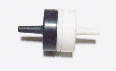Фото: Клапан зворотний, пневматичний Audi Q7