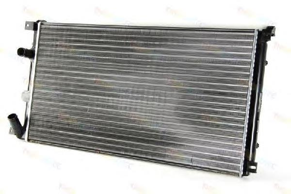 радиатор охлаждения двигателя на опель мовано