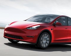 Tesla и долгожданное обновление: теперь за водителями будут следить более тщательно