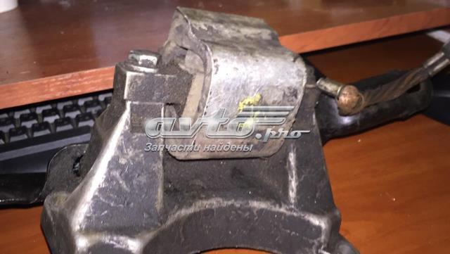 Подушка трансмиссии (опора коробки передач)