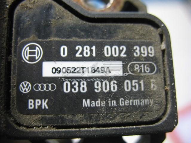 Датчик давления наддува на volkswagen caddy . каталожный номер : 038906051b   дополнительный код : 0281002399