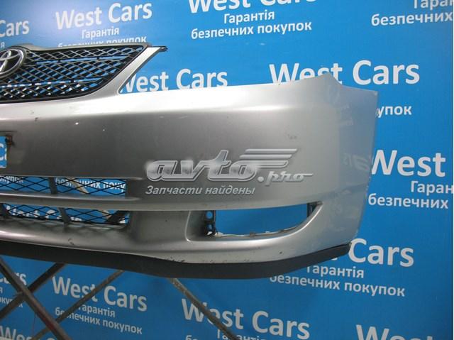 Бампер передний на седан на toyota corolla   цена за комплектный бампер