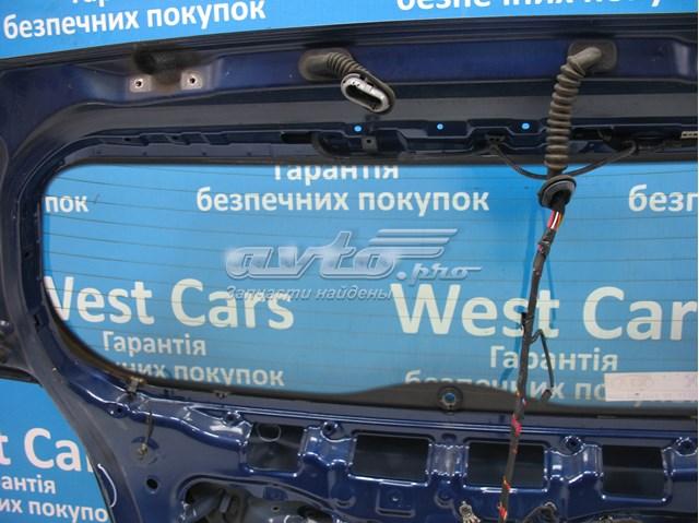 Крышка багажника на хетчбэк крашенная и шпаклеванная на kia ceed. цена за крышку без стекла
