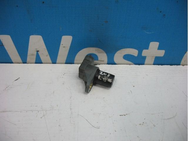 Датчик положения распредвала 1.8 бензин компрессор на mercedes c-class w203