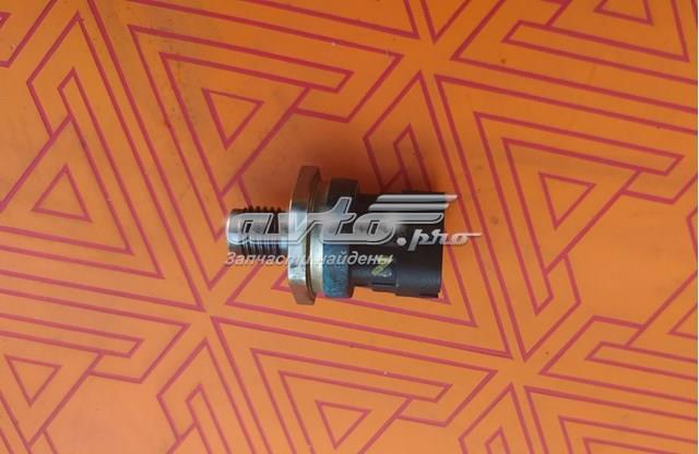 Датчик давления топлива 2.0 renault/opel 8200703127 б/у