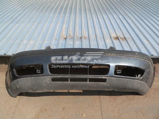 Бампер передний bora 99-05 с накладкой
