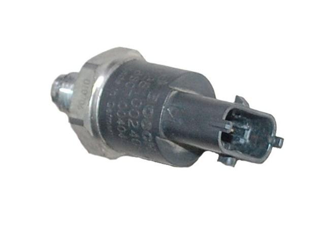 Датчик давления топлива в рейке 2.2dci ns rn,2.5dci rn