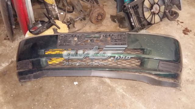 Бампер передний зеленый как на фото