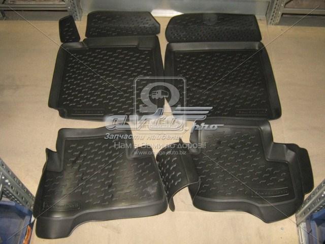 коврики передние + задние, комплект  PP204