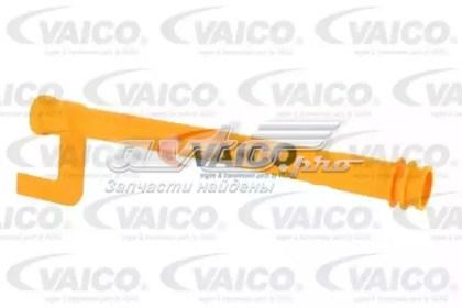 направляющая щупа-индикатора уровня масла в двигателе  V102981