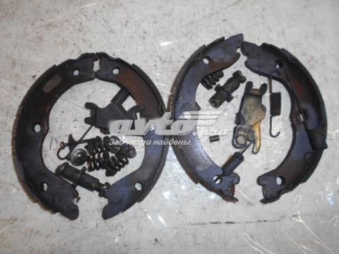 D40608H725 Nissan колодки ручника/ стояночного тормоза