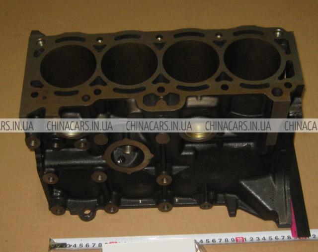 блок цилиндров двигателя  2100203121