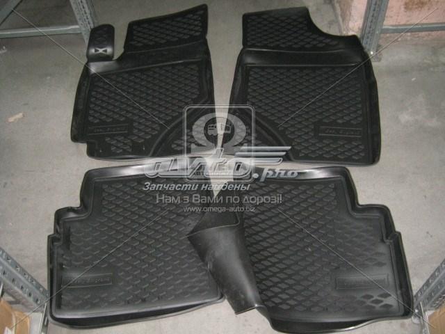 коврики передние + задние, комплект  PP186
