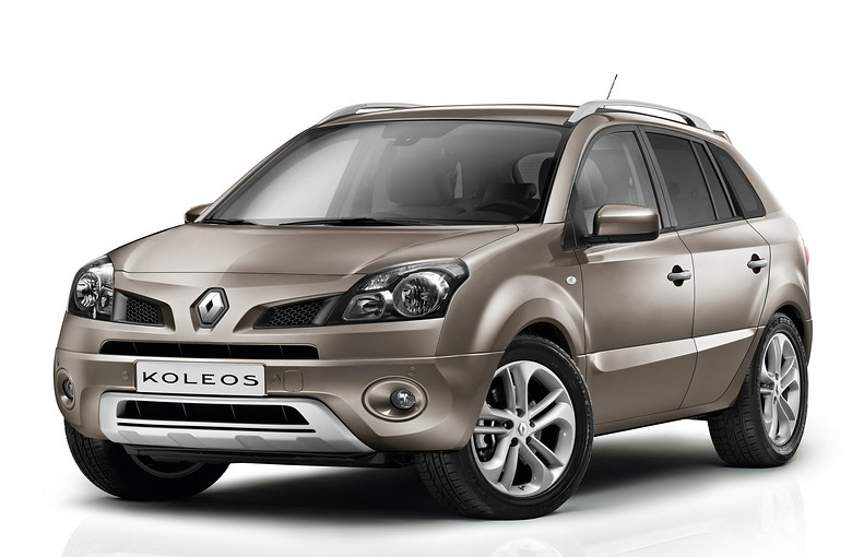 бампер на авто на Renault Koleos 2012 г